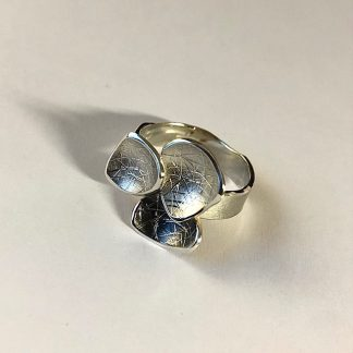 Foto van zilveren ring